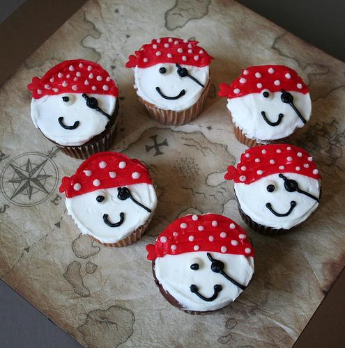 CupcakeLovers: Pirate Cupcakes
