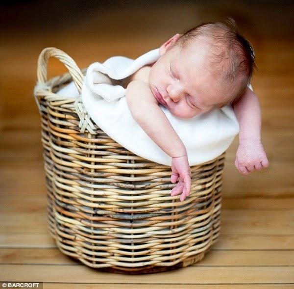 Photo jolie bébé du monde mignon