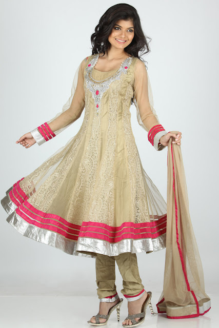 Pakistani-Wedding-Churidar-Frocks