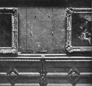 The Mona Lisa's vacant space at The Louvre after its theft in 1911.