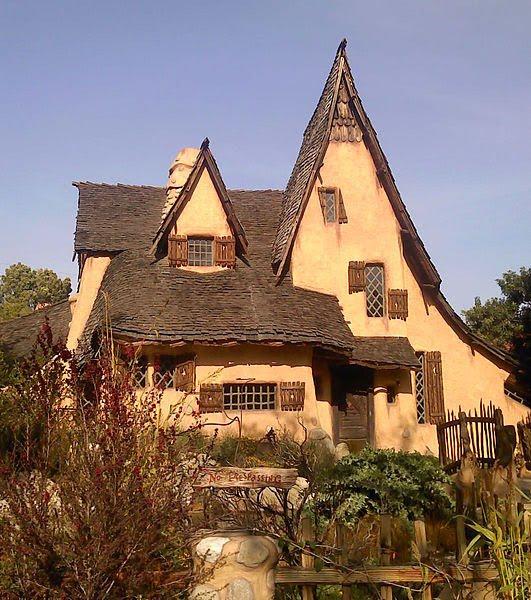 Tour La S Storybook Houses