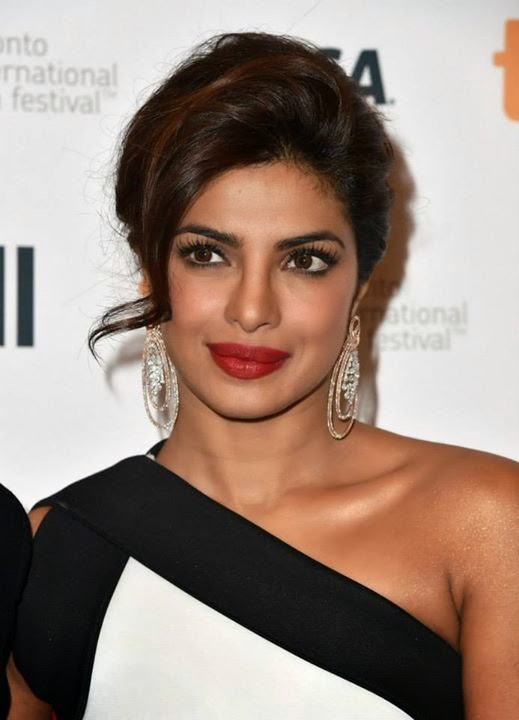 Dusky-Priyanka-Chopra-less-makeup