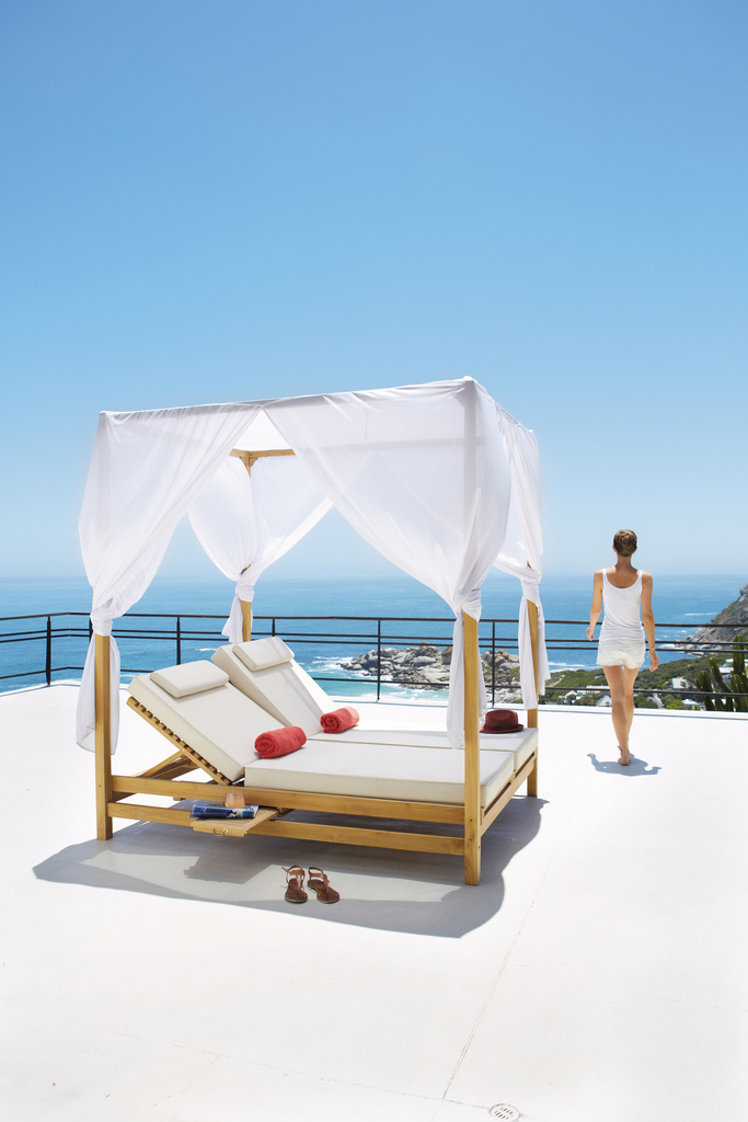 Seaseight design blog mad about maisons du monde outdoor - Letto baldacchino maison du monde ...
