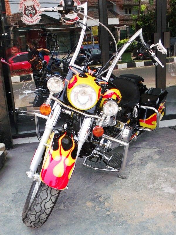 Diposkan oleh Classic Bikers Shop di 00.37