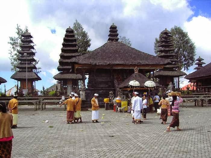 Bali Indonesia culture & religi