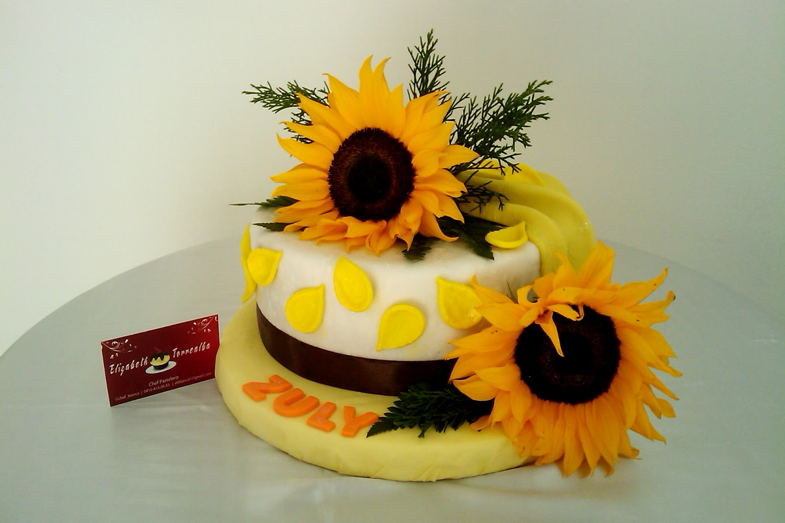 Pastel Arreglo Floral Girasoles Pasteleria Bianc