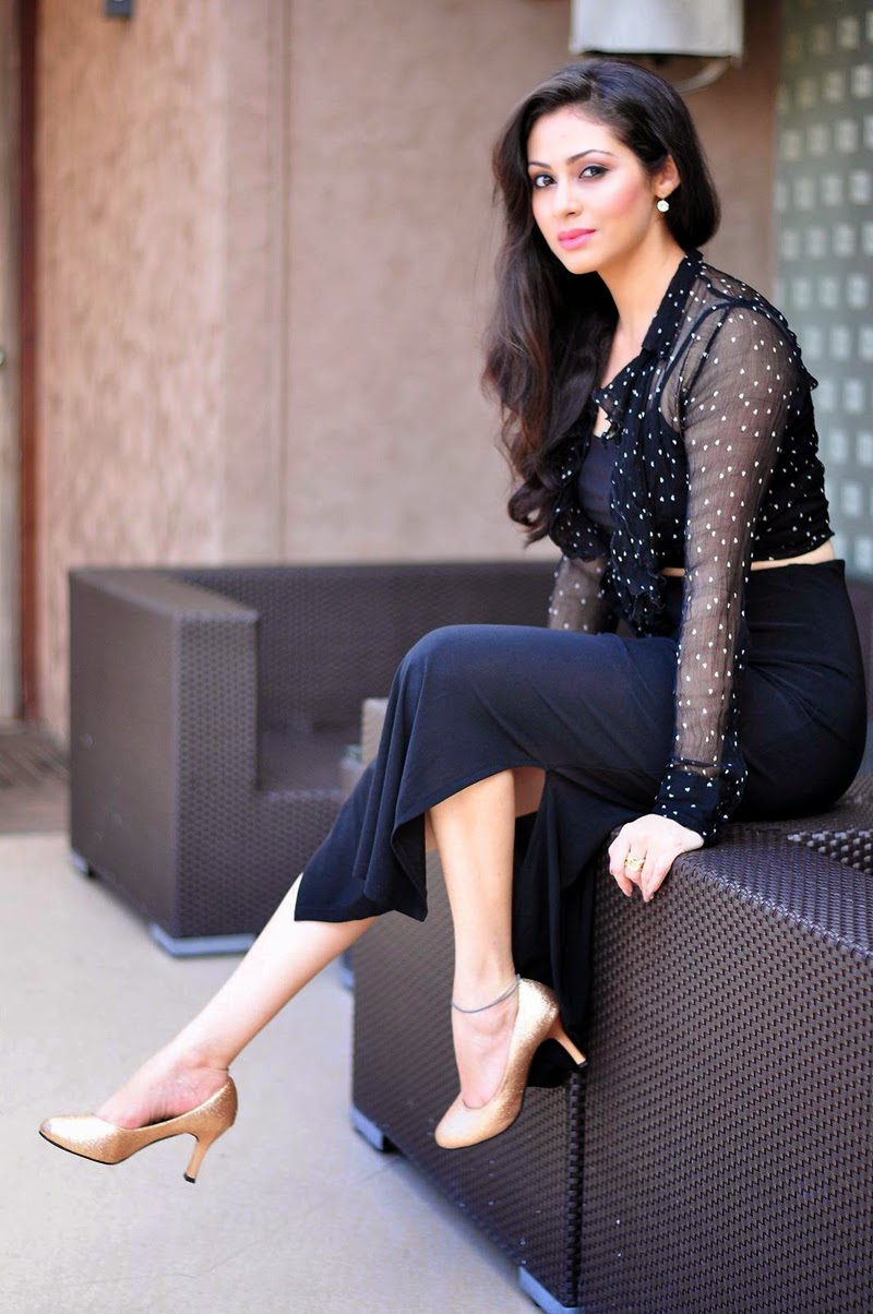 Actress-Sadha-Latest-Hot-PhotoShoot-Gallery-CelebsNext-