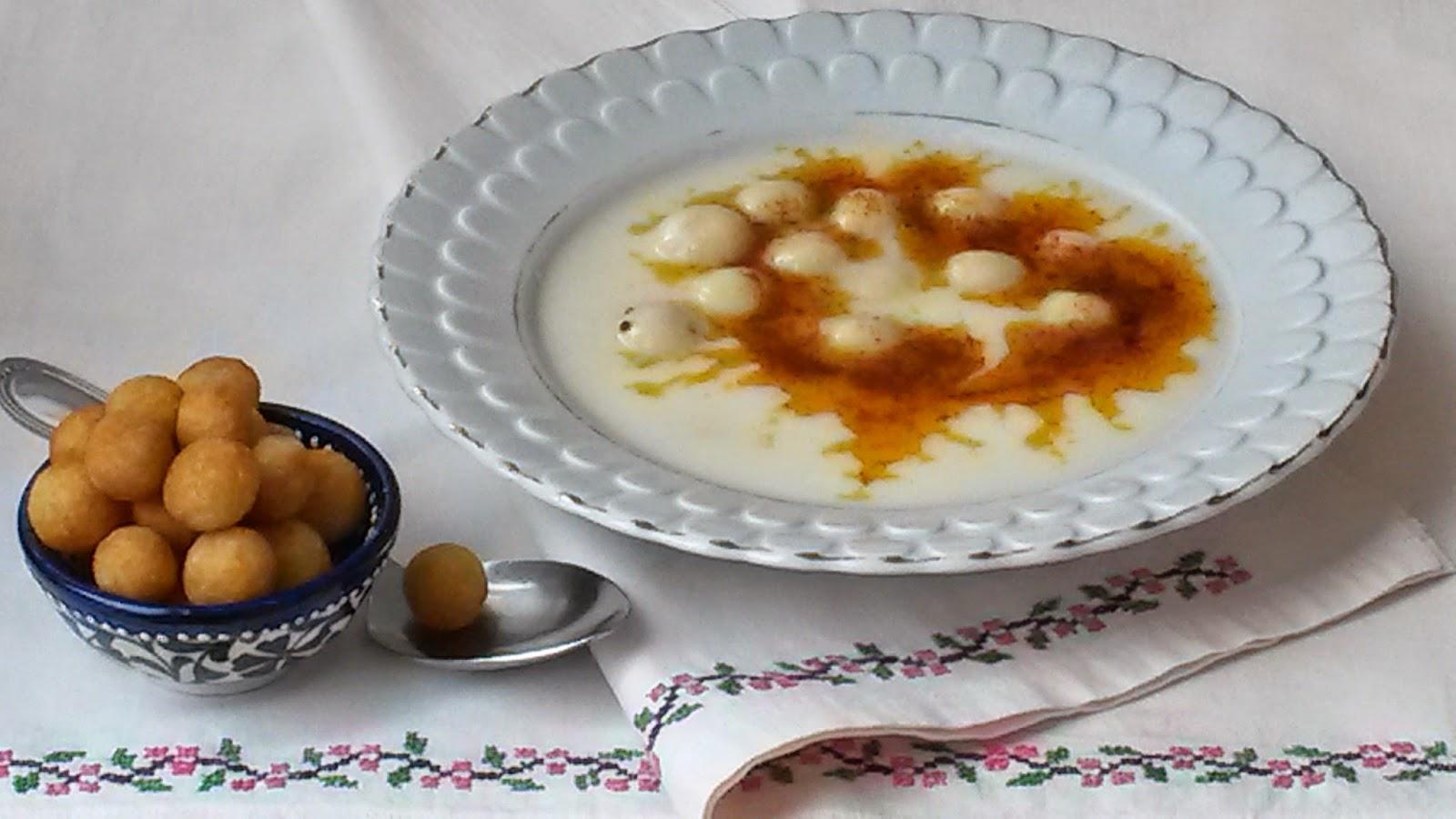 Bulgur Köfteli Yoğurt Çorbası Tarifi