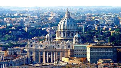 Banco do Vaticano doou 70 milhões de dólares para caridade em 2012