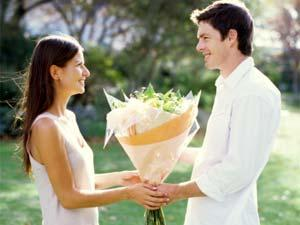 Top 5 Things To Look For In Your Fiancee - flowers gift love