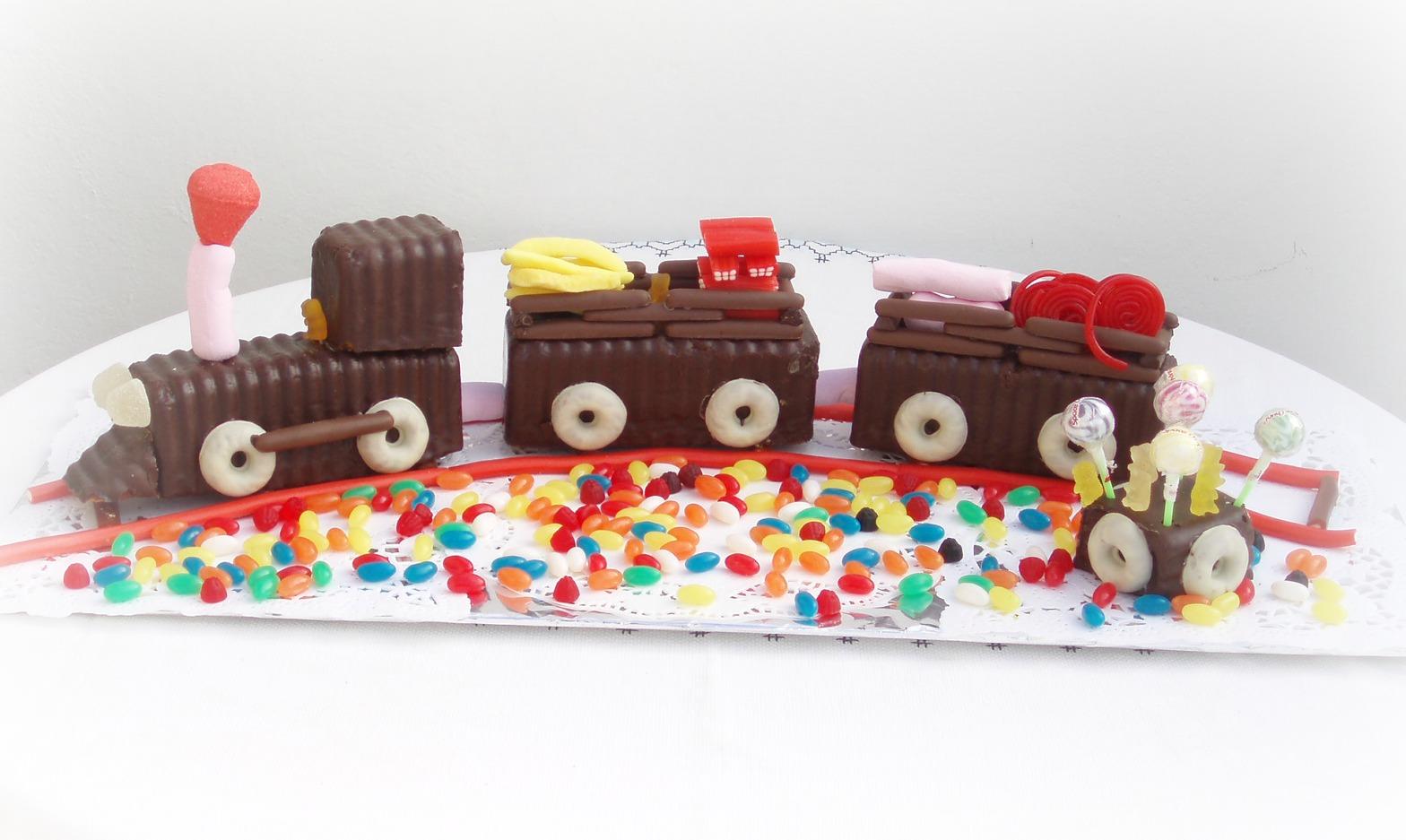 affordable trenecito de chocolate y chuches