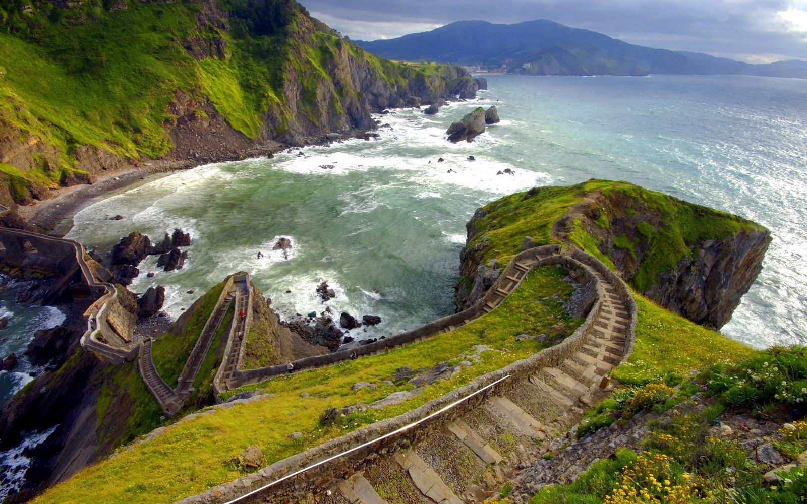 Escalera a las montañas - Hill stairs