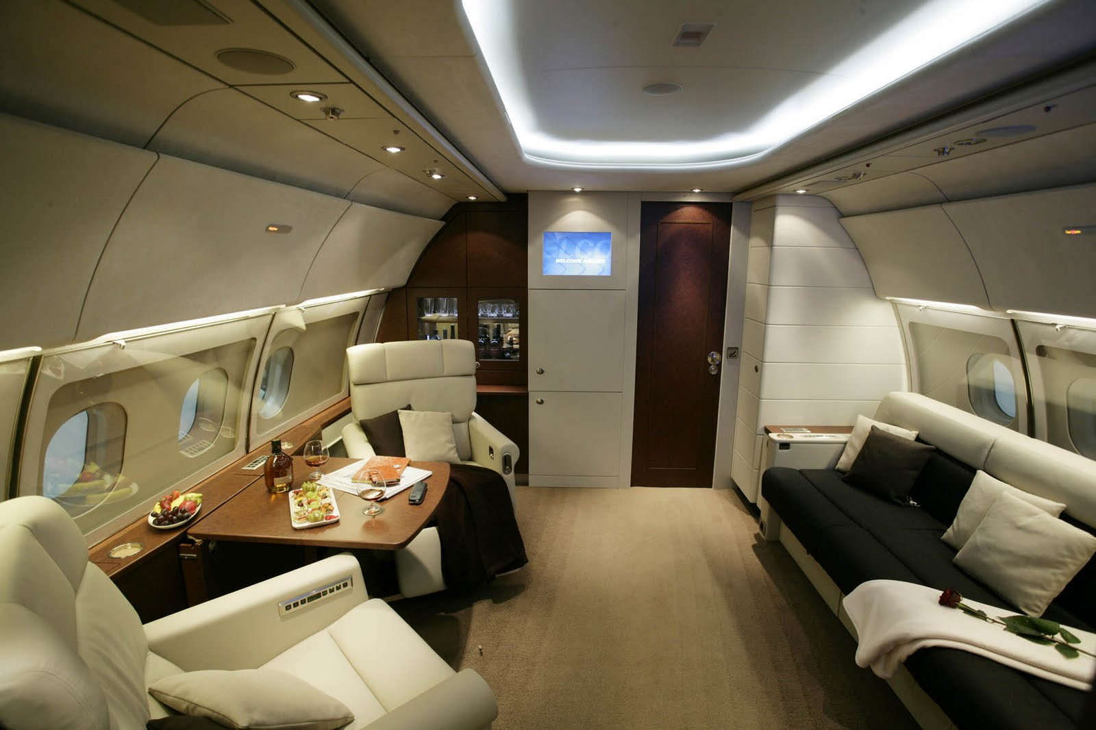 jet airlines test bombardier global 7000 interior. Black Bedroom Furniture Sets. Home Design Ideas