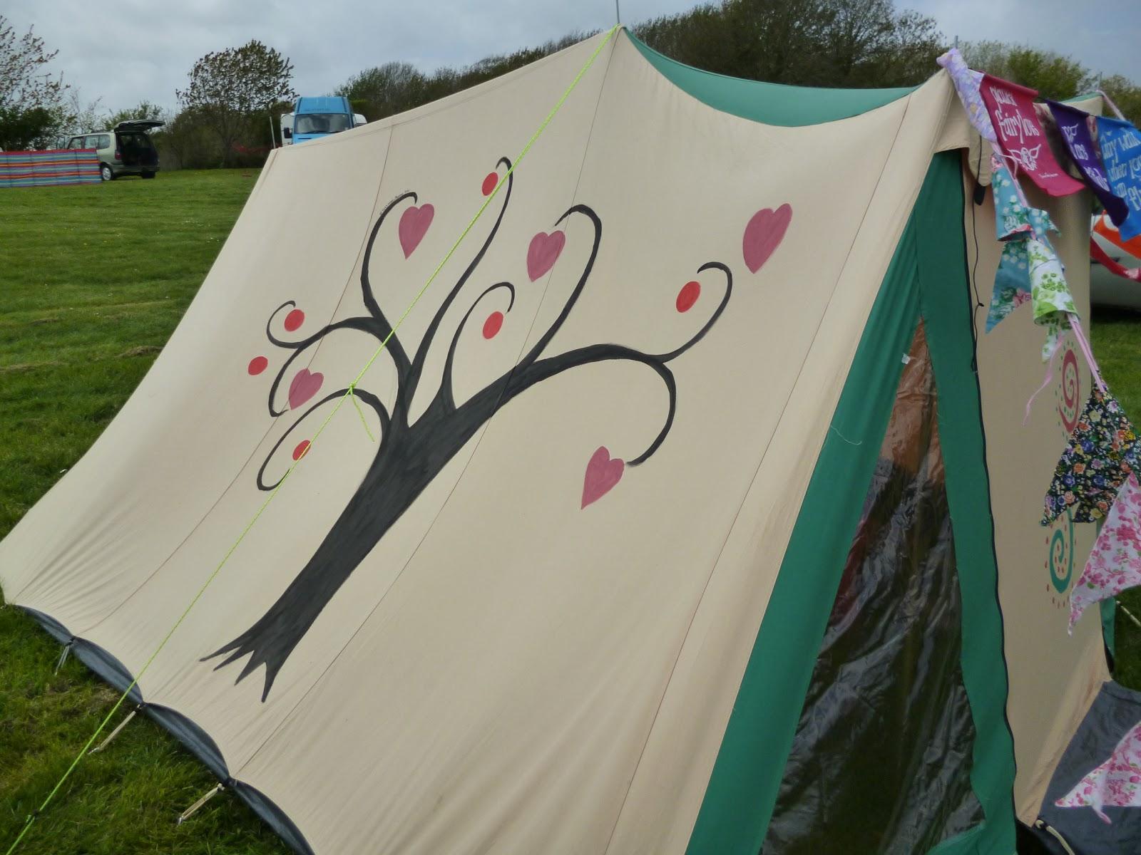 bari 3 tent hand painted