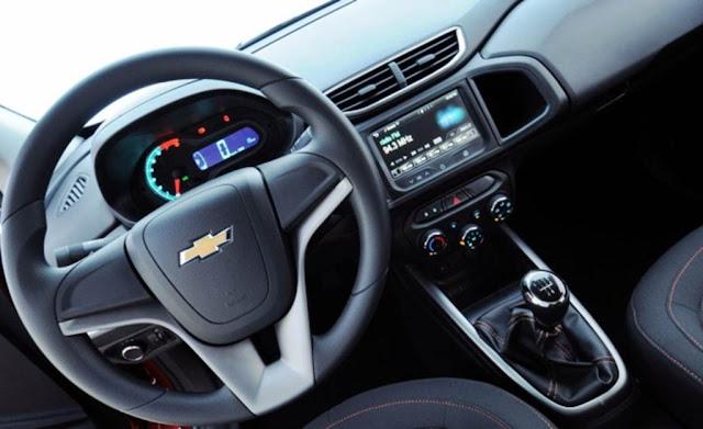 carro Chevrolet Onix 2013 - painel
