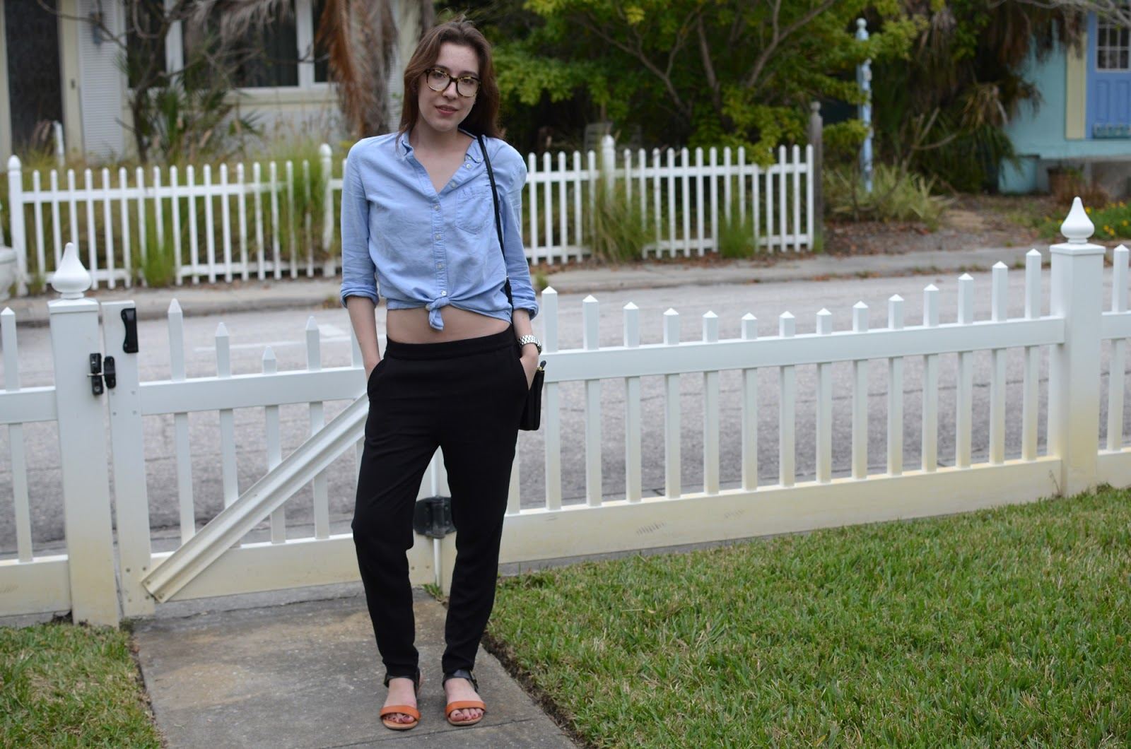 OOTD post about my love for crop tops... Shirt from The Gap, pants from H&M, and sandals from Target.