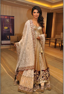 Piryanka Chopra At Manish Malhotra's Mijwan Fashion Show
