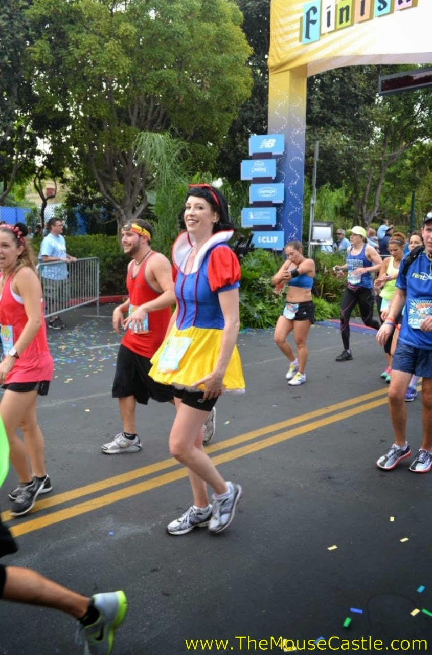 Snow White at the 2014 Disneyland Half Marathon