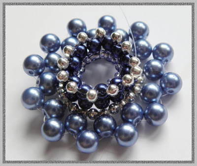 beaded donut pendant free pattern