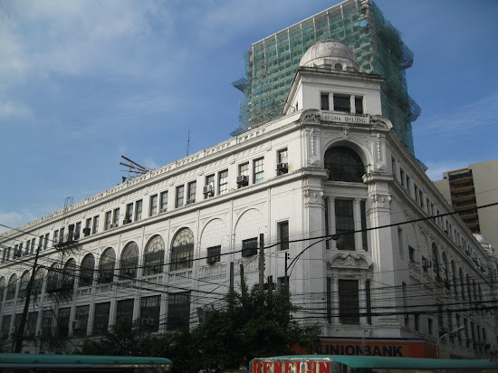 Front of Regina Building located along Kalye Escolta.