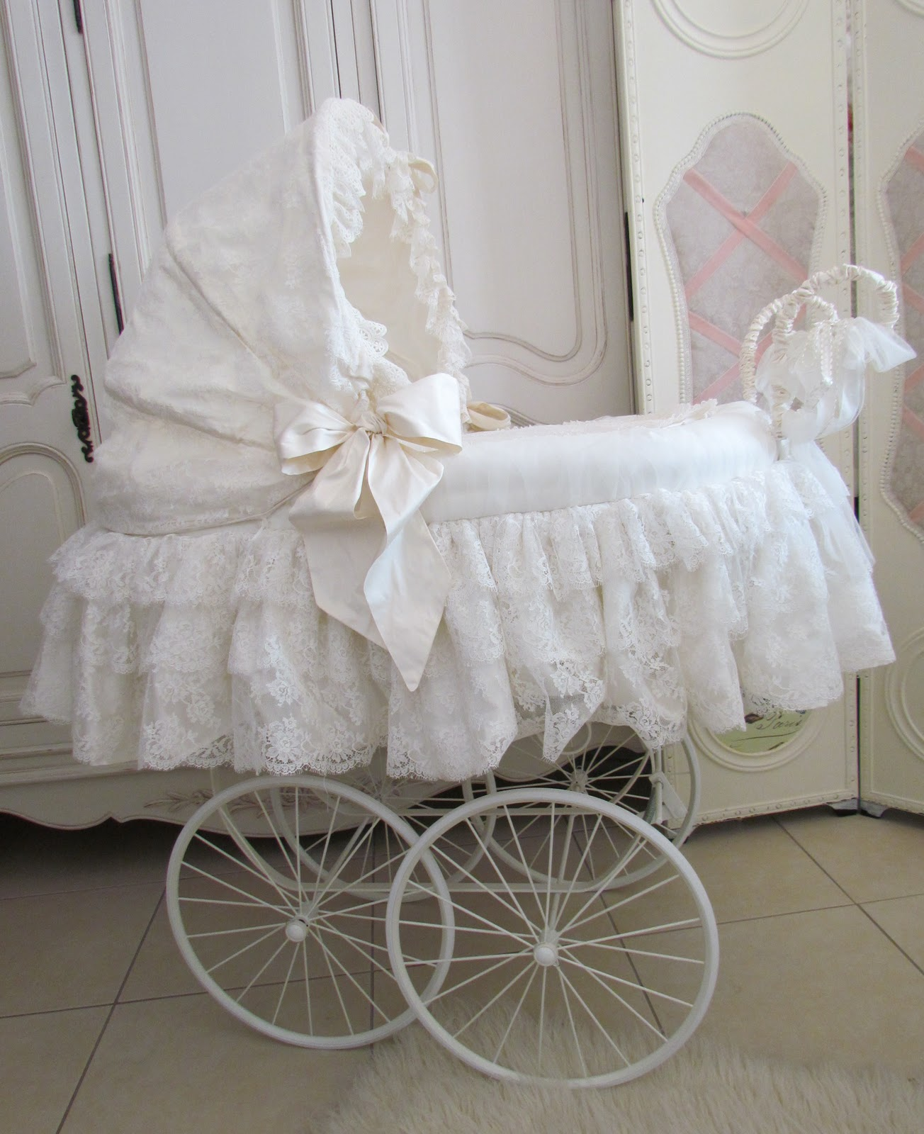 Angela Lace Lace Covered Baby Pram