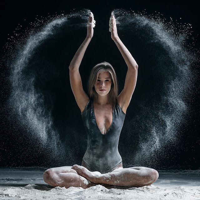 Belas e poderosas imagens de bailarinos em ação por Alexander Yakovlev
