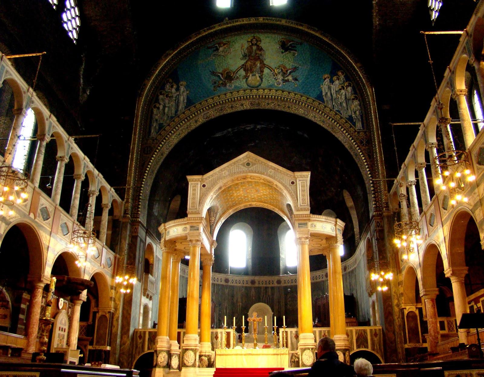 Interno Della Cattedrale Di Westminster Chiesa Cattolica Costruita  #C49107 1600 1248 Sala Da Pranzo Buckingham Palace
