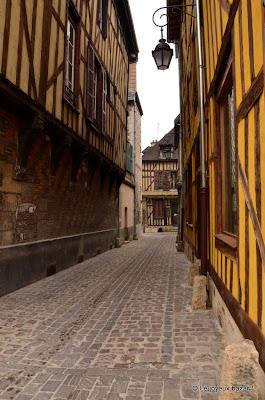 Troyes - centre historique - pans de bois