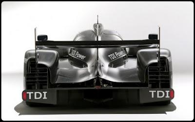 2011-Audi-R18-Back-View