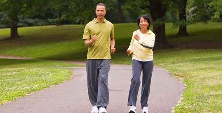 Tips Menghindari Osteoporosis Pengeroposan Tulang OlahRaga Jalan