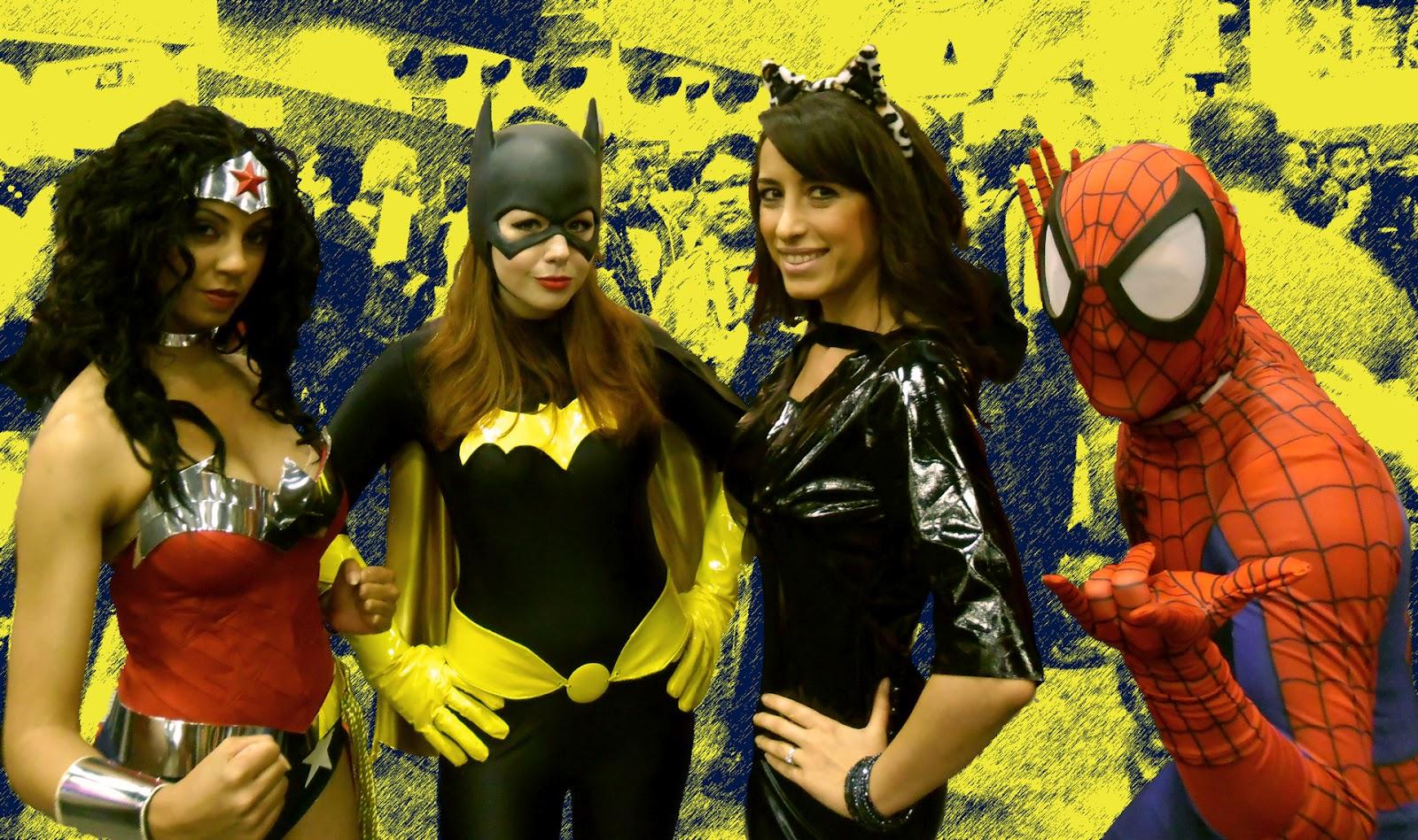 http://1.bp.blogspot.com/-g__M72Yib1Y/UAMSPEoMYkI/AAAAAAAAAxE/suvhlww0nx8/s1600/MediaComicCon2012_girls.jpg