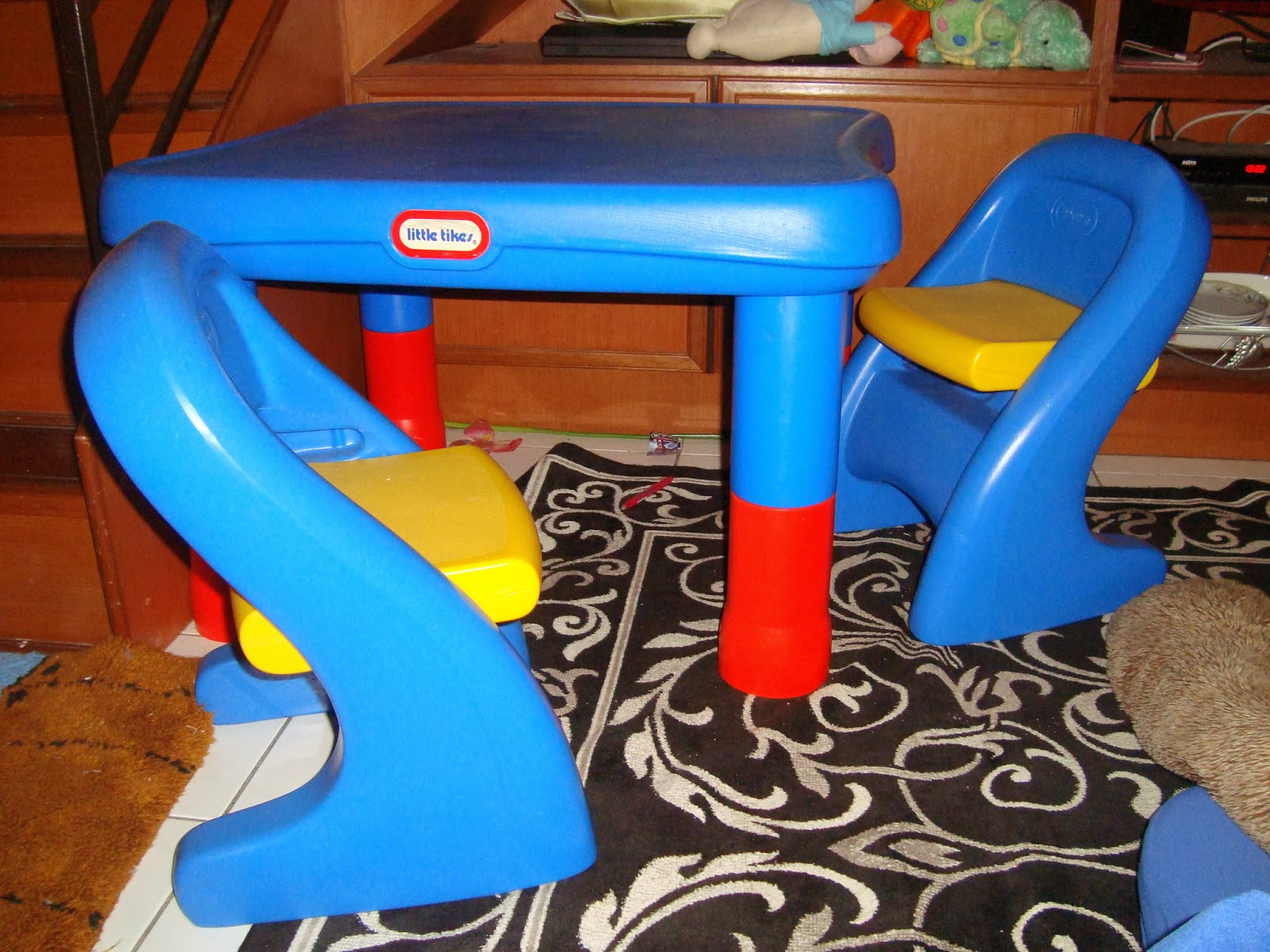 Little tikes adjustable table and chairs - Because Kids Grow So Fast This Little Tikes Adjustable Table Chair Set Can Be Adjusted To Different Heights Table Easily Adjusts To 4 Heights 20 21