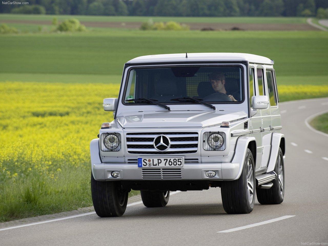 http://1.bp.blogspot.com/-ga53QSSHVYw/TWssn8TYumI/AAAAAAACLao/fY5NRtTZKLc/s1600/Mercedes-Benz-G55_AMG_2009_1280x960_wallpaper_03.jpg