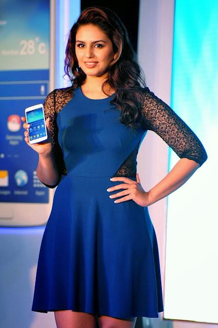 Huma Qureshi, Samsung, Smartphone, Chip, 4GB RAM, Business, Technology, Phone, Bollywood, Showbiz, India, Samsung Galaxy, CPU, DDR3, Economy, Science,