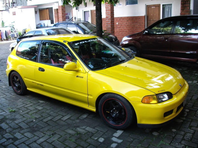 Modifikasi Honda Civic Estilo Kuning