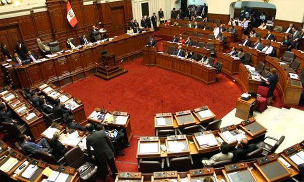 Congreso aprueba proyecto que prohíbe reelección de presidentes regionales y alcaldes
