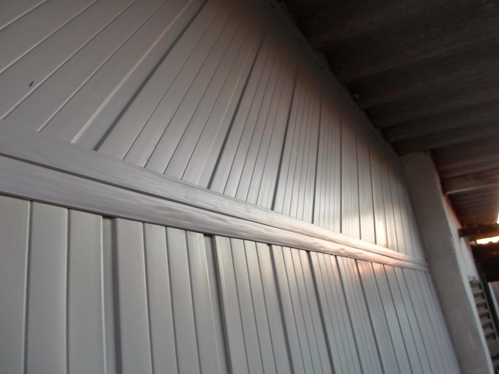 Parede falsa como fazer parede textura laranja imagem for Forrar paredes barato