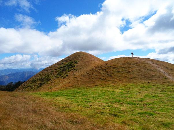trips mangarap ulap climb tour easy trail