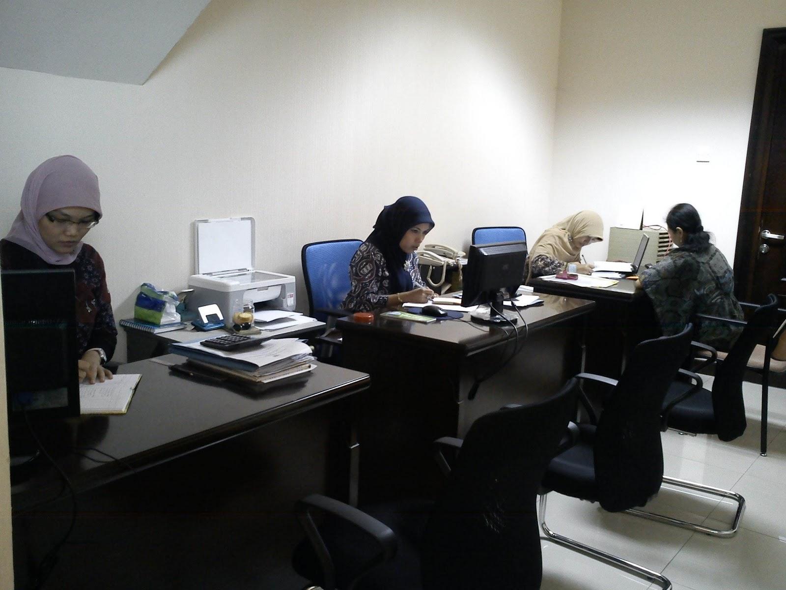Gambar 3. Karyawan Manajemen Koperasi Arta Sarana Jahtera
