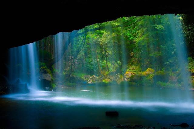 http://1.bp.blogspot.com/-gatLxiBFMb4/UJ0Gk4vjy3I/AAAAAAAAAN4/Wm6ua7ELRm0/s640/beautiful-getaway-nature-vacation-17.jpg