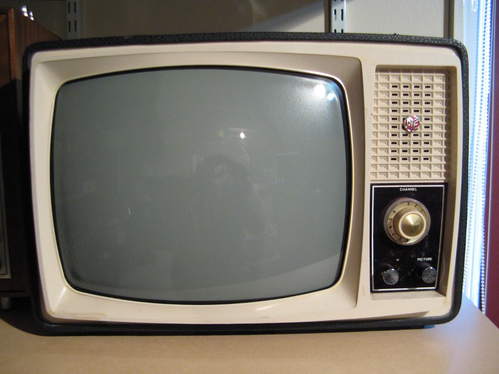 Portable T V S : Nz vintage tv radio pye t y quot portable