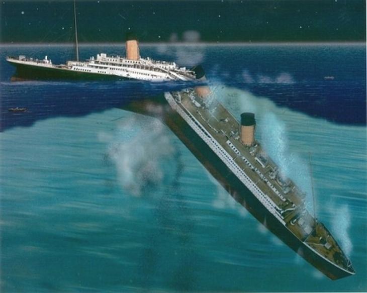 Το αβύθιστο κρουαζιερόπλοιο βυθίστηκε τελικά δύο ώρες και σαράντα λεπτά αργότερα στις 02:20 της 15ης Απριλίου. Το κύτος κατά την βύθιση έσπασε σε 2 κομμάτια