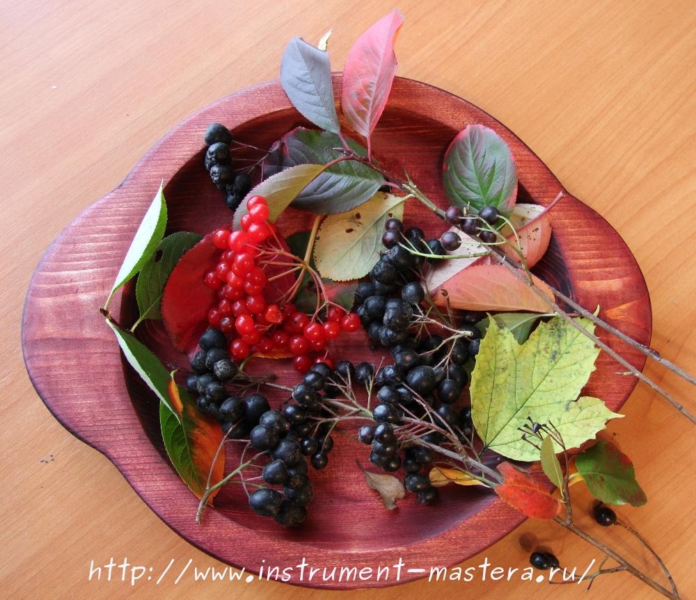 Резьба по дереву. Деревянное резное блюдо