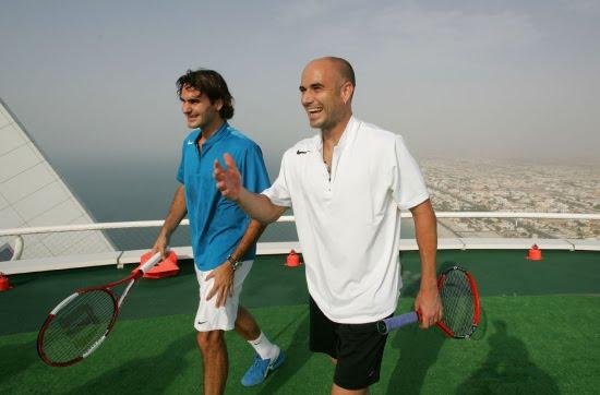 http://1.bp.blogspot.com/-gbDjbFqAc0g/TcQE1l2IgII/AAAAAAAAFa0/2WGWEPzInMw/s1600/Burj-al-arab-tennis-court-roger-federer-3.jpg