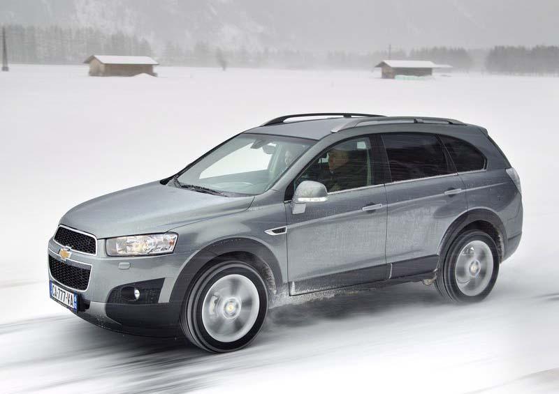 auto car review  chevrolet captiva  2012