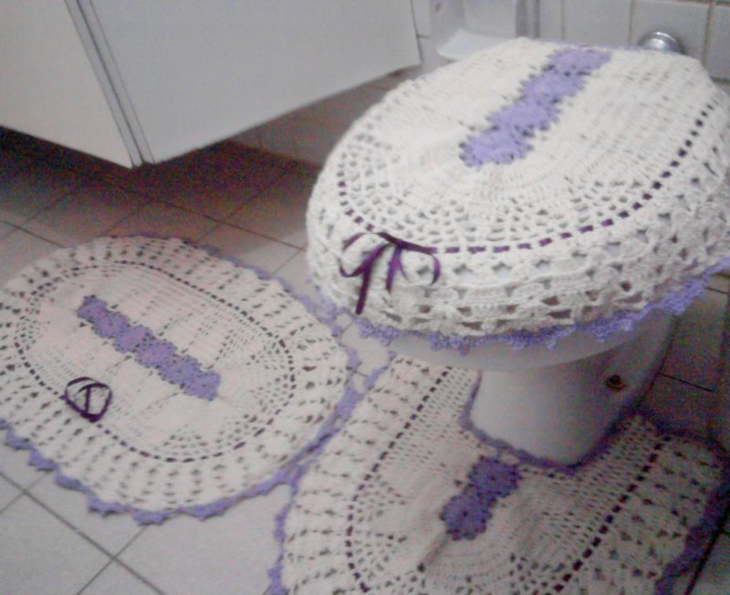 Carol Cantanhêde Bordado Lilás charmoso -> Banheiro Simples Mas Arrumado