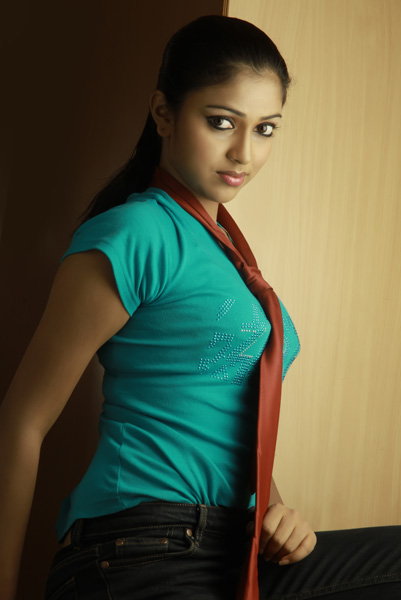 Actress Amala Paul Gallery cleavage