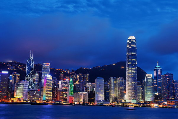 http://1.bp.blogspot.com/-gbcxPK7vgWk/UiLaFHbBW2I/AAAAAAAAEA8/b2b2C6gfVvY/s1600/Tempat+Wisata+di+Hongkong+yang+Menarik+Victoria+Bay+yoshiewafa.blogspot.com.jpg