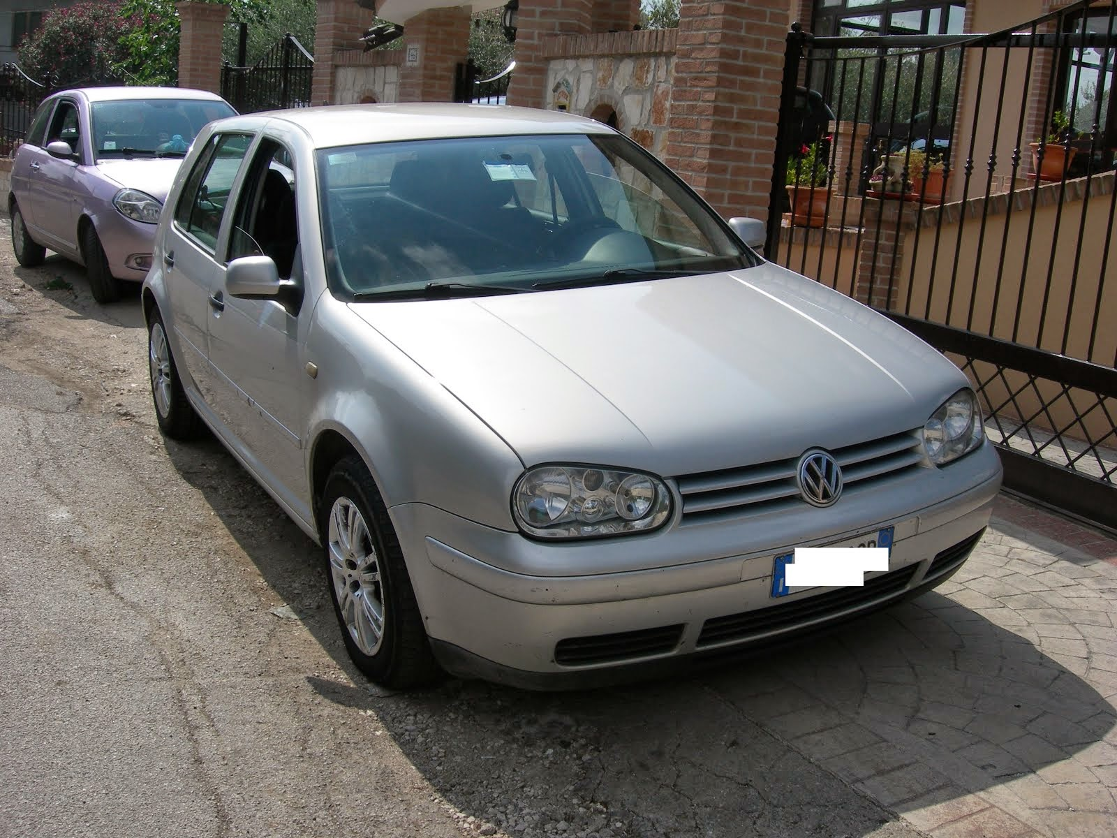 Vw Golf 1.6 GPL 4 serie 1.500,00 euro