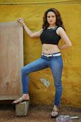 Reena Bhatia glamorous photos-thumbnail-2